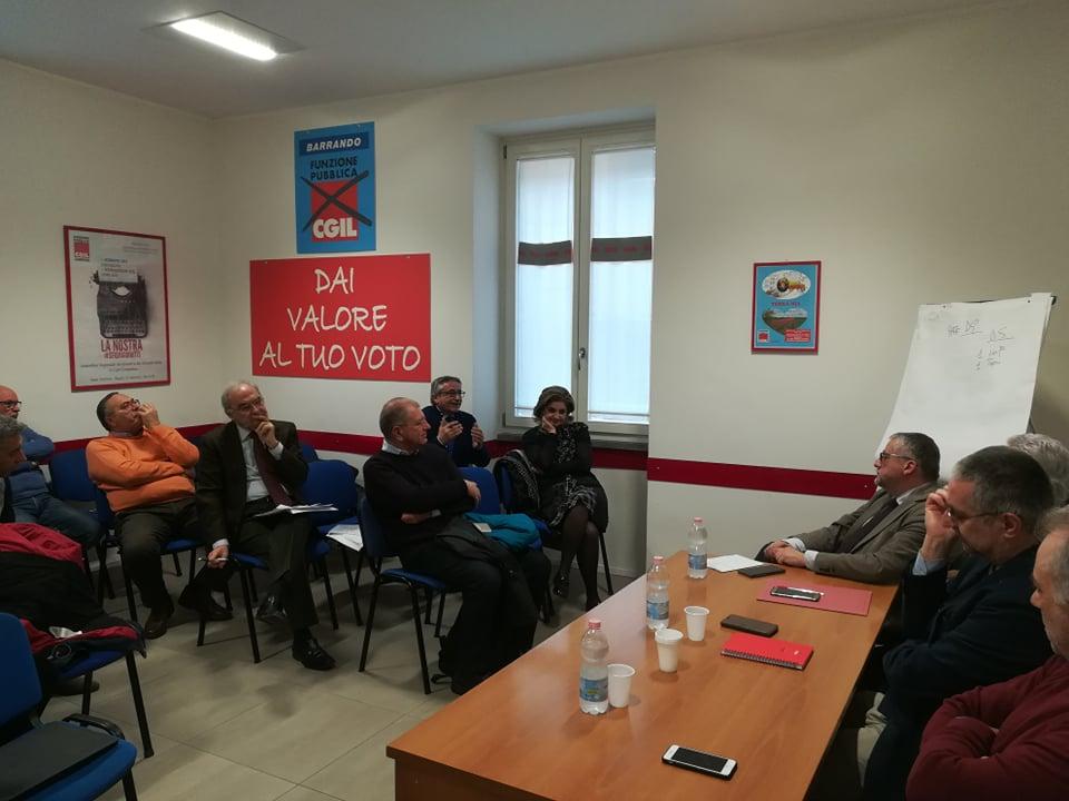 foto conferenza stampa fp cgil campania