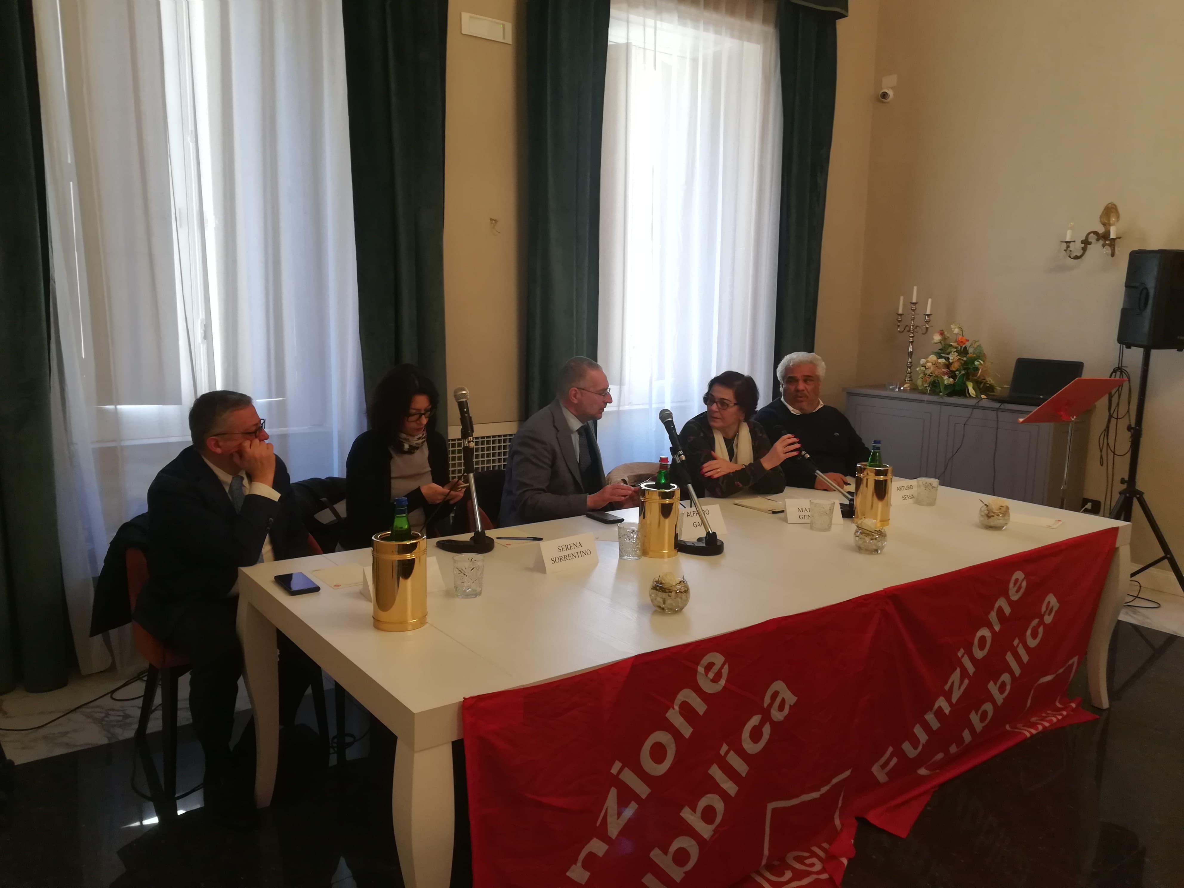 foto tavolo presidenza elezione segretario fp cgil salerno