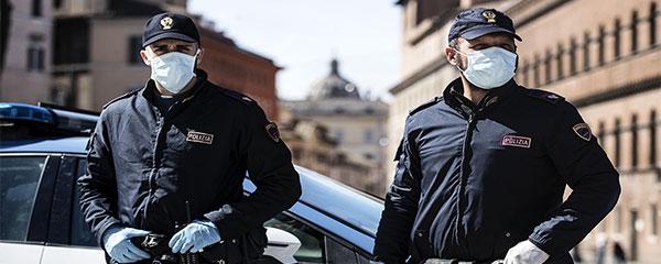 foto poliziotti mascherine