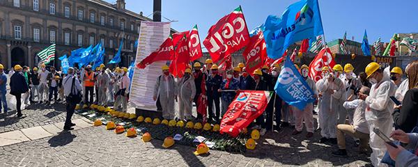 foto manifestazione morti sul lavoro web